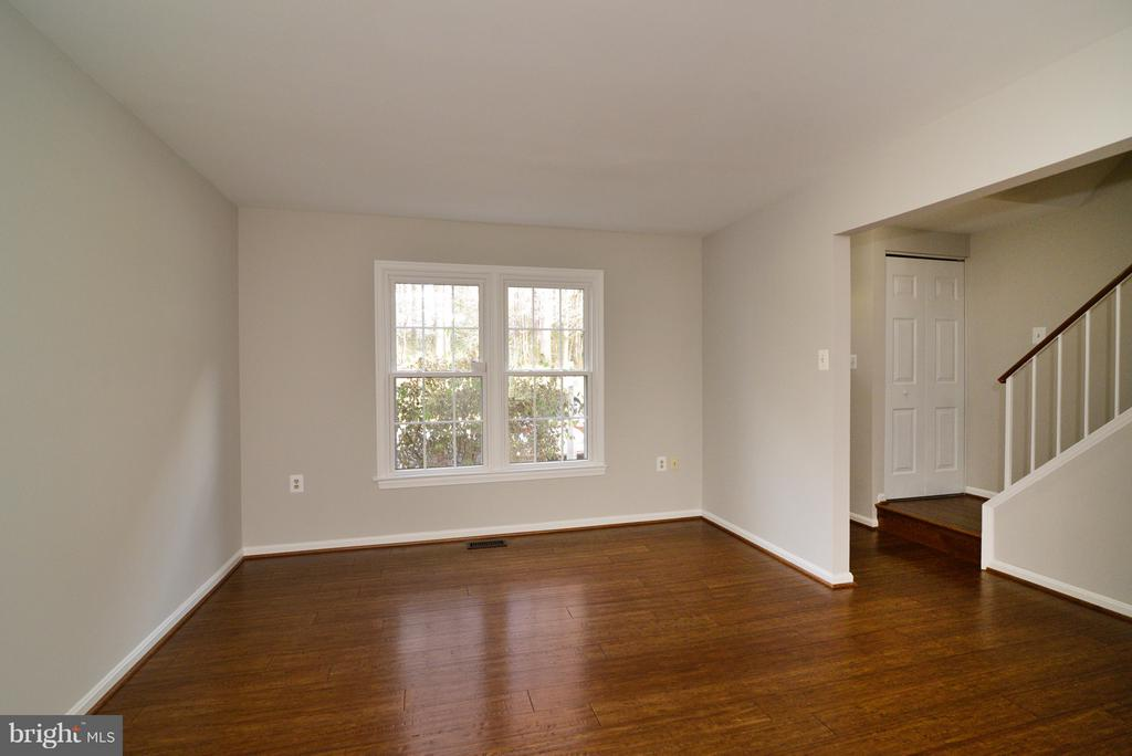 Entire home freshly painted! - 11924 GLEN ALDEN RD, FAIRFAX