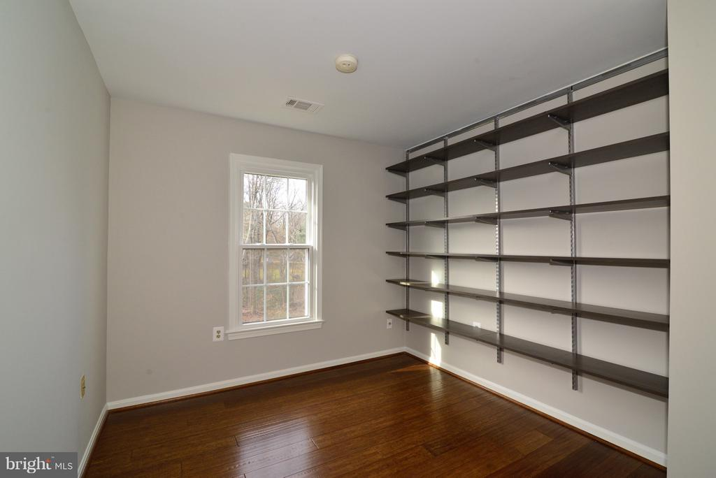 Guest Bedroom #2 with Custom Shelving - 11924 GLEN ALDEN RD, FAIRFAX