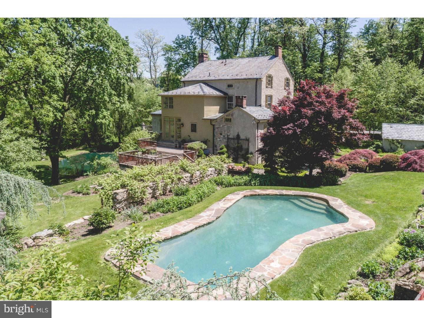 Single Family Home for Sale at 250 DURHAM Road Easton, Pennsylvania 18042 United States