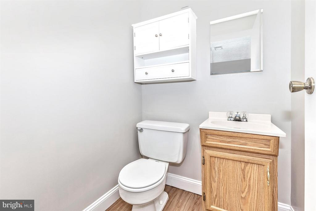 LOWER LEVEL 1/2 BATH - 19217 DEEP RUN CT, GERMANTOWN
