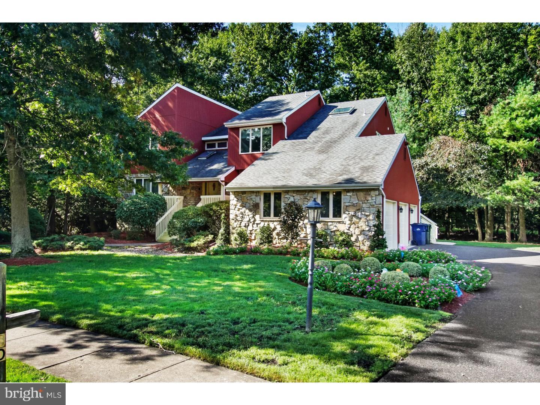 Single Family Homes para Venda às Voorhees Township, Nova Jersey 08043 Estados Unidos