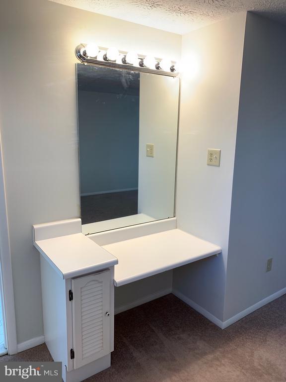 Master Bedroom Vanity - 6152 MCLENDON CT, ALEXANDRIA