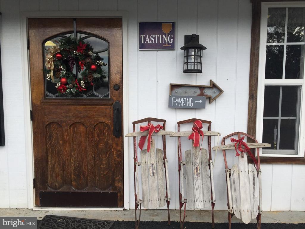 Entry to the tasting room - 15113 LIBERTY RD, MOUNT AIRY