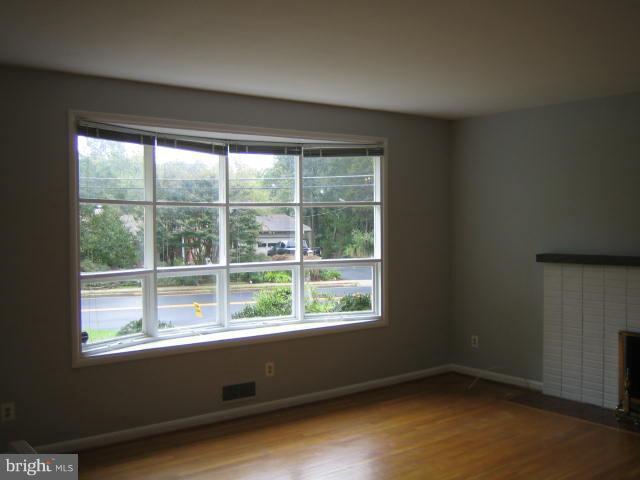 Living room - 6131 BEACHWAY, FALLS CHURCH