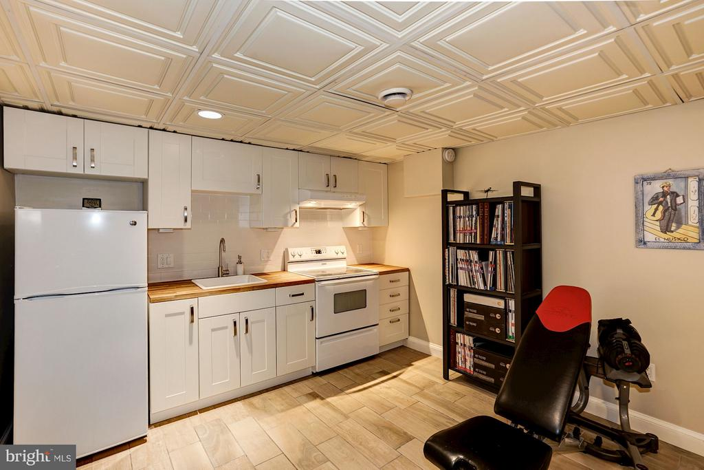 Soft close drawers and cabinet doors - 1964 2ND ST NW, WASHINGTON