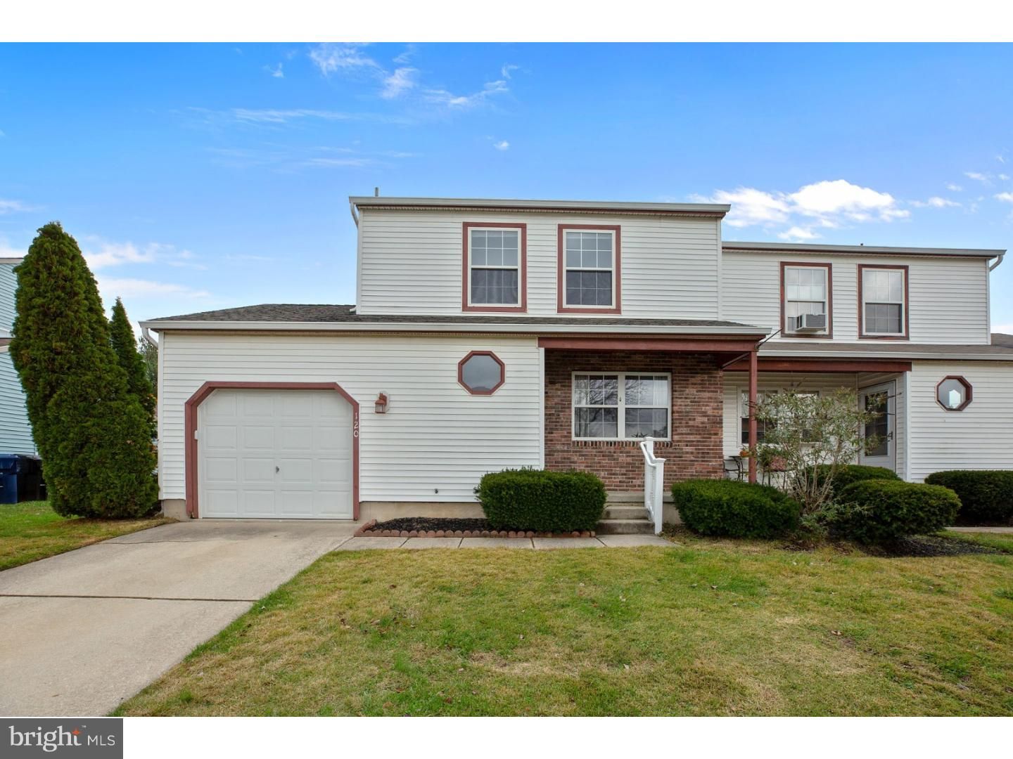 Photo of home for sale at 120 Fellowship Lane, Mullica Hill NJ