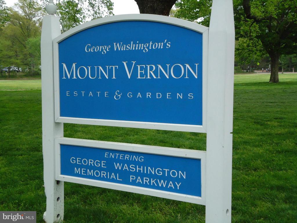 George Washington Pkwy less than a mile away - 8608 WOODLAND HEIGHTS CT, ALEXANDRIA