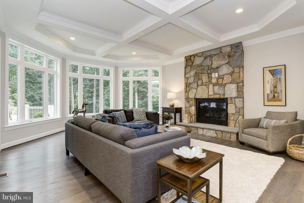 Family Room - 2551 VALE RIDGE CT, OAKTON