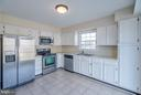 Ample Cabinetry and SS Appliances - 46869 RABBITRUN TER, STERLING