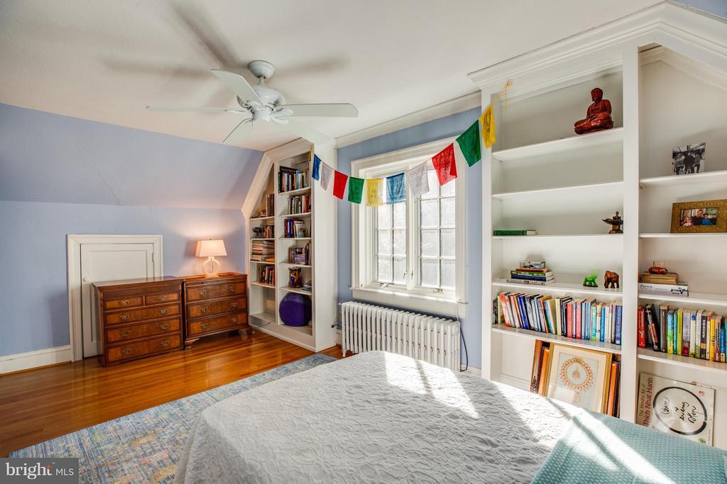 Bedroom 5 - 814 CORNELL ST, FREDERICKSBURG