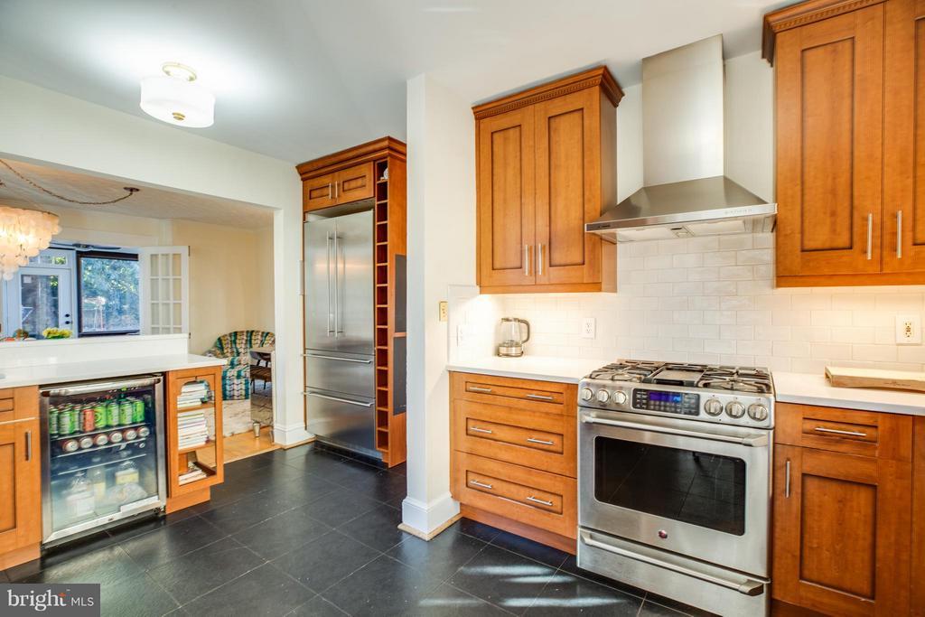 Kitchen with additional beverage fridge! - 814 CORNELL ST, FREDERICKSBURG
