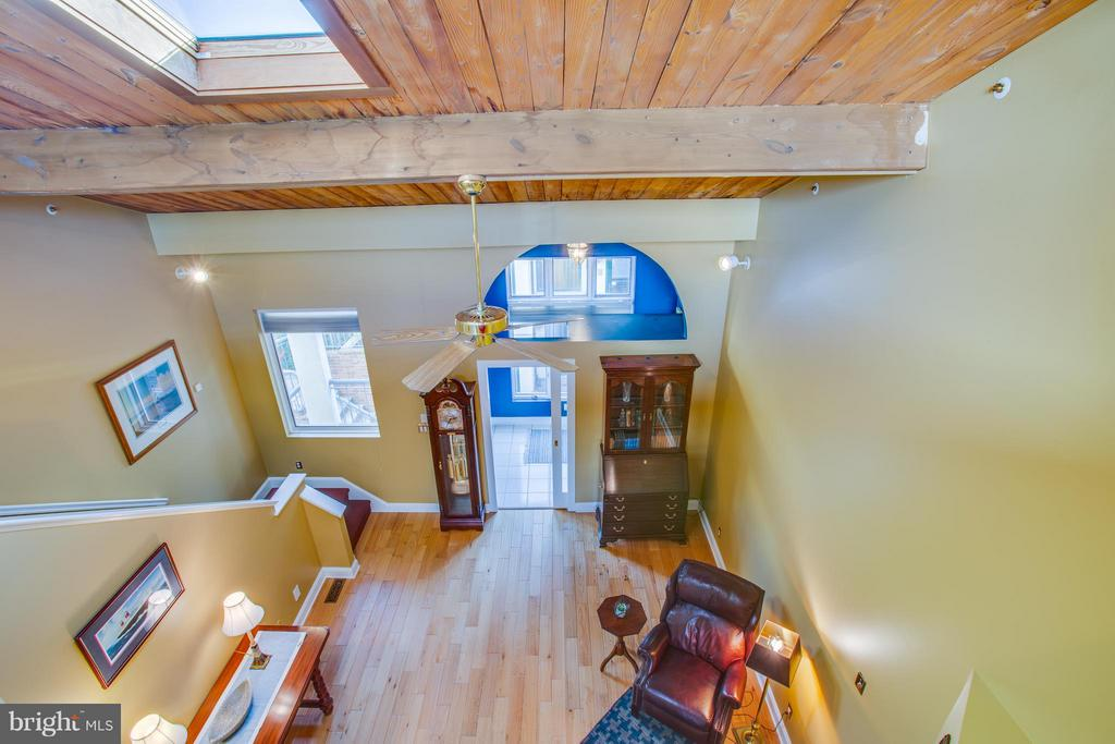 Fabulous pitched ceiling! - 717 KENMORE AVE, FREDERICKSBURG