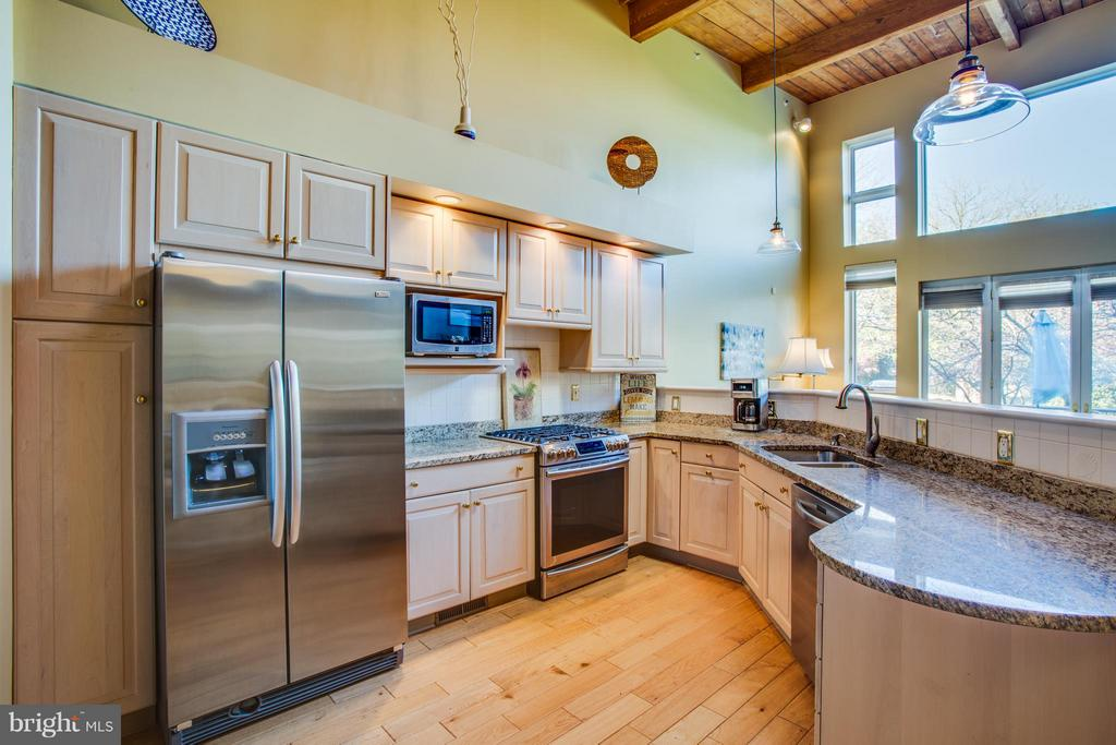 Fabulous kitchen with tall ceilings! - 717 KENMORE AVE, FREDERICKSBURG