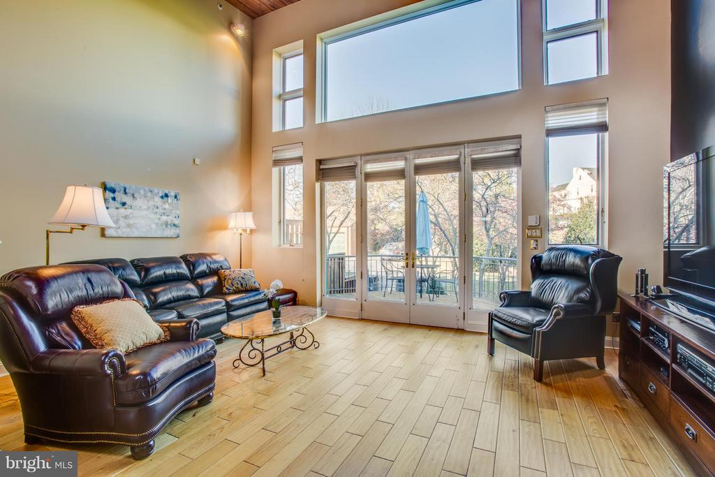 Family room with a view! Huge windows - 717 KENMORE AVE, FREDERICKSBURG