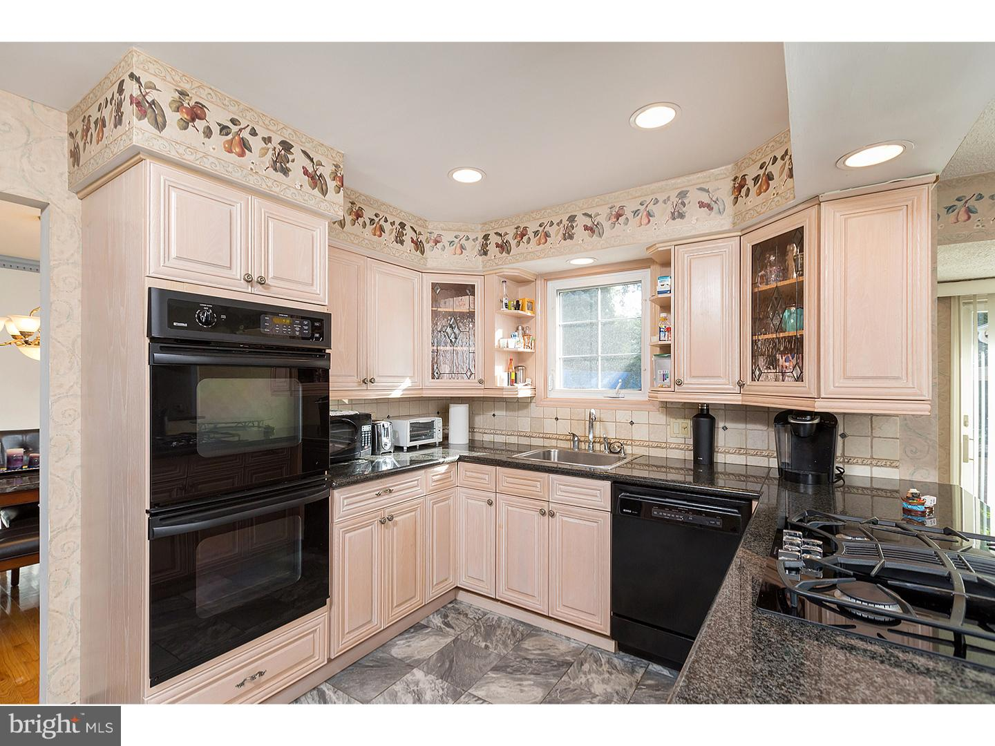 Additional photo for property listing at  Woodbury, New Jersey 08096 Hoa Kỳ
