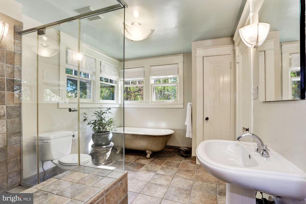 Master Bath - 3822 LIVINGSTON ST NW, WASHINGTON