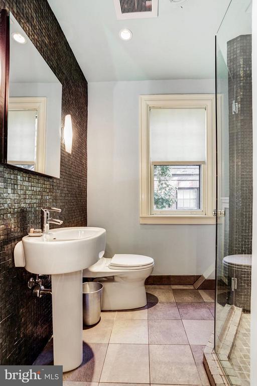 Guest Bathroom - 3822 LIVINGSTON ST NW, WASHINGTON