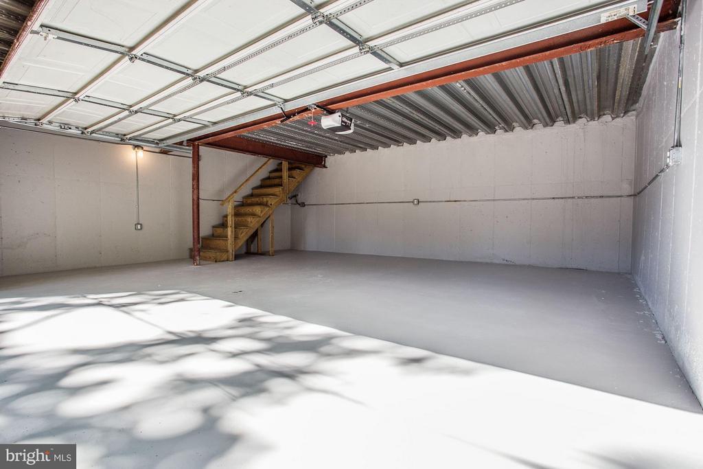2 car garage - 3822 LIVINGSTON ST NW, WASHINGTON