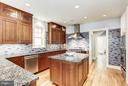 Granite counters and Cherry Cabinetry - 3822 LIVINGSTON ST NW, WASHINGTON