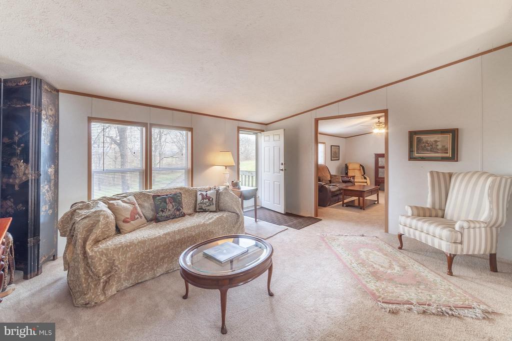 Formal living room - 2200 QUEBEC SCHOOL RD, MIDDLETOWN
