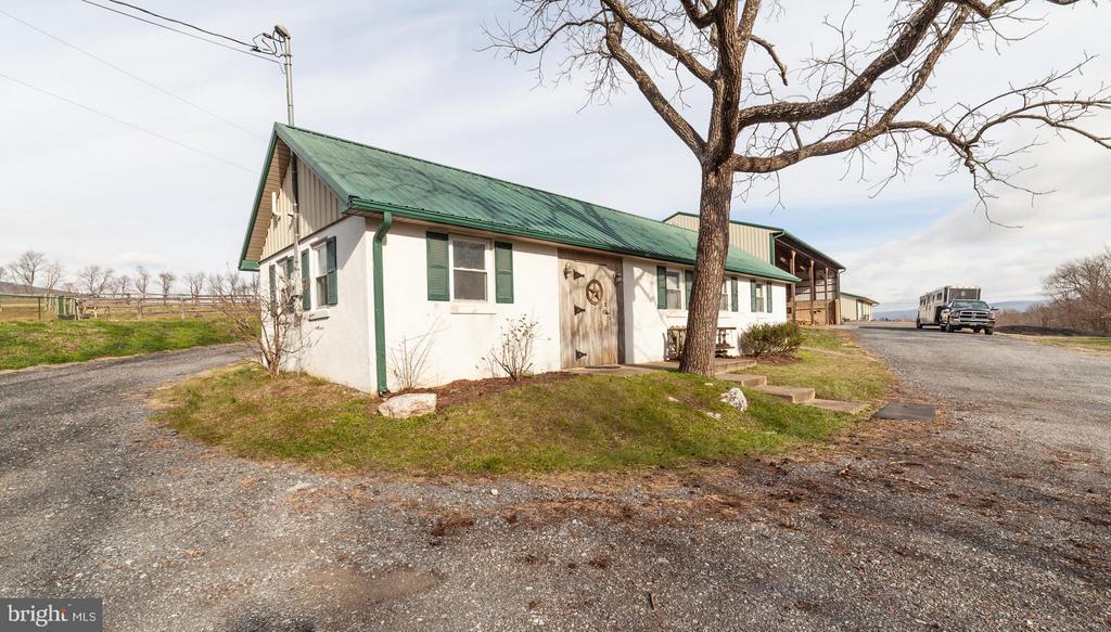 1 bedroom guest cottage - 2200 QUEBEC SCHOOL RD, MIDDLETOWN