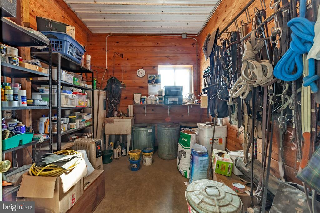 Tack - Feed Room - 2200 QUEBEC SCHOOL RD, MIDDLETOWN