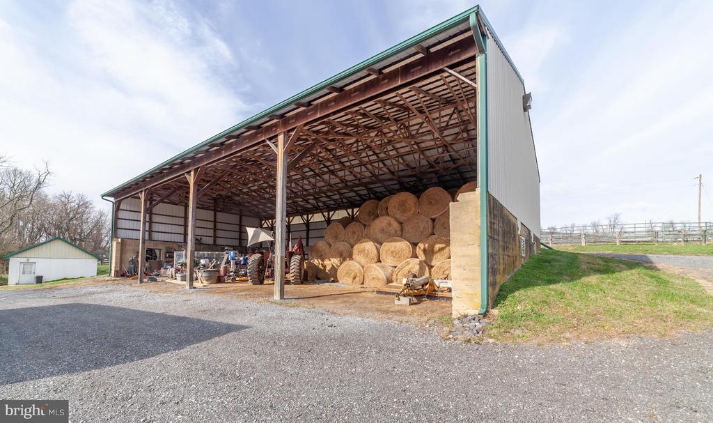 Hay barn - 2200 QUEBEC SCHOOL RD, MIDDLETOWN