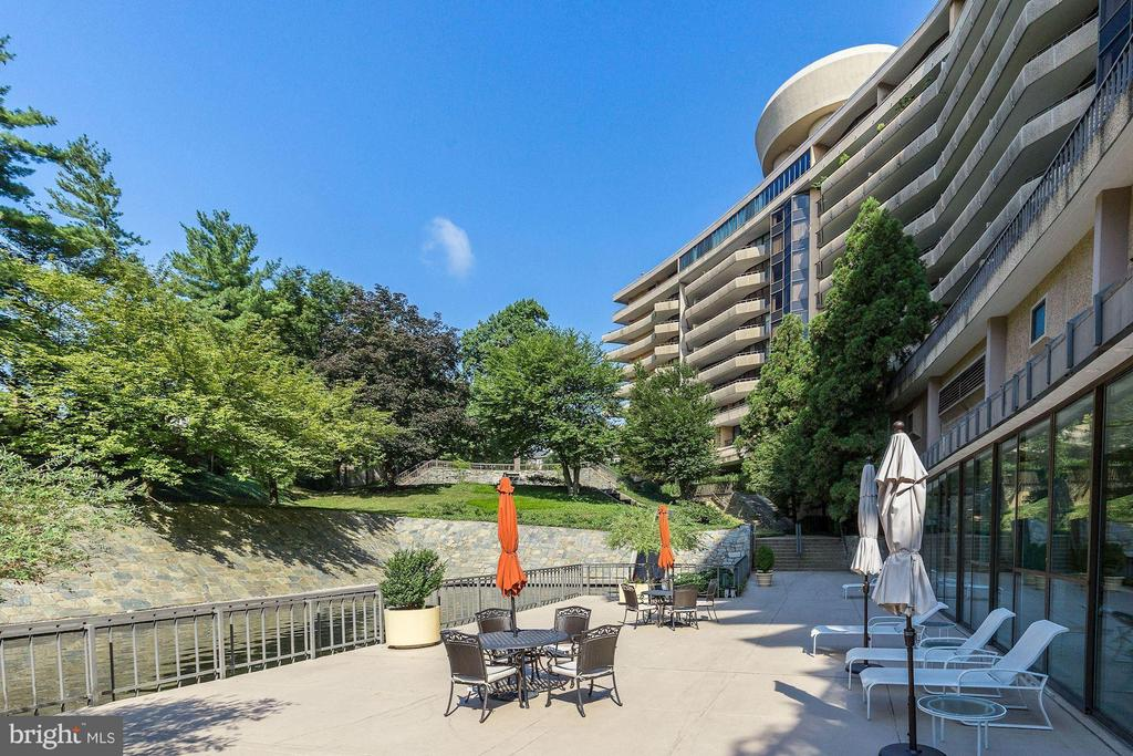 Outdoor Entertaining Areas + Fire Pit Nooks - 4200 MASSACHUSETTS AVE NW #120, WASHINGTON