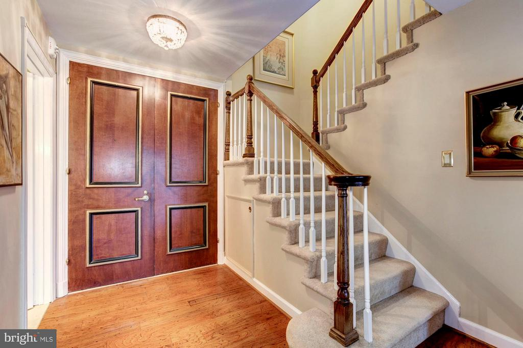 Double Door Entry Foyer w/Stairs to Upper Level - 4200 MASSACHUSETTS AVE NW #120, WASHINGTON