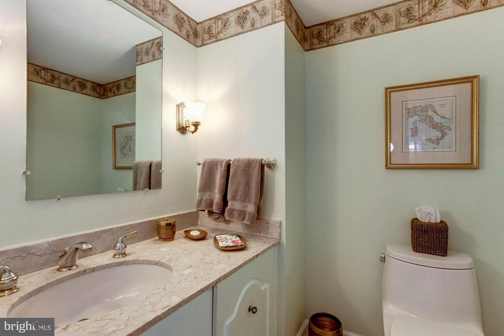 Main Level Powder Room - 4200 MASSACHUSETTS AVE NW #120, WASHINGTON