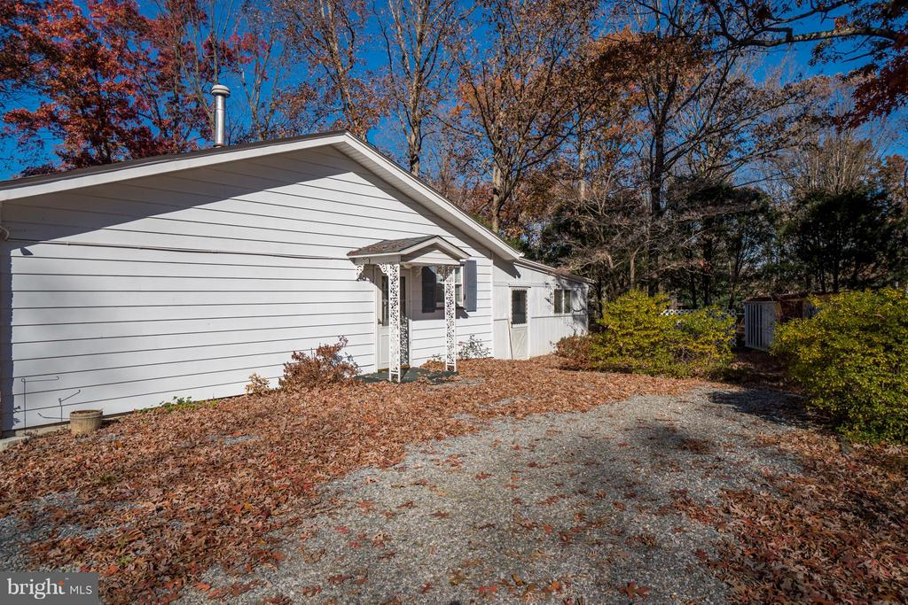 So convenient for loading and unloading - 3327 SOMERSET LN, FREDERICKSBURG