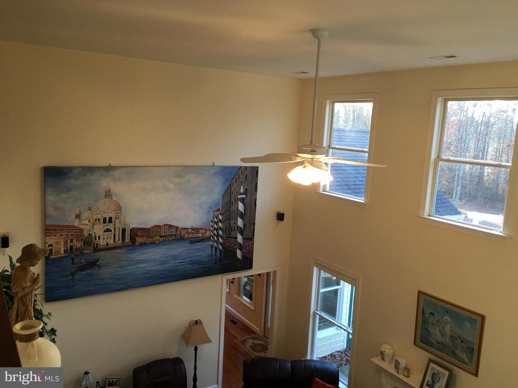 Excellent Art and WALL SPACE.. - 6142 WALKER'S HOLLOW, LOCUST GROVE