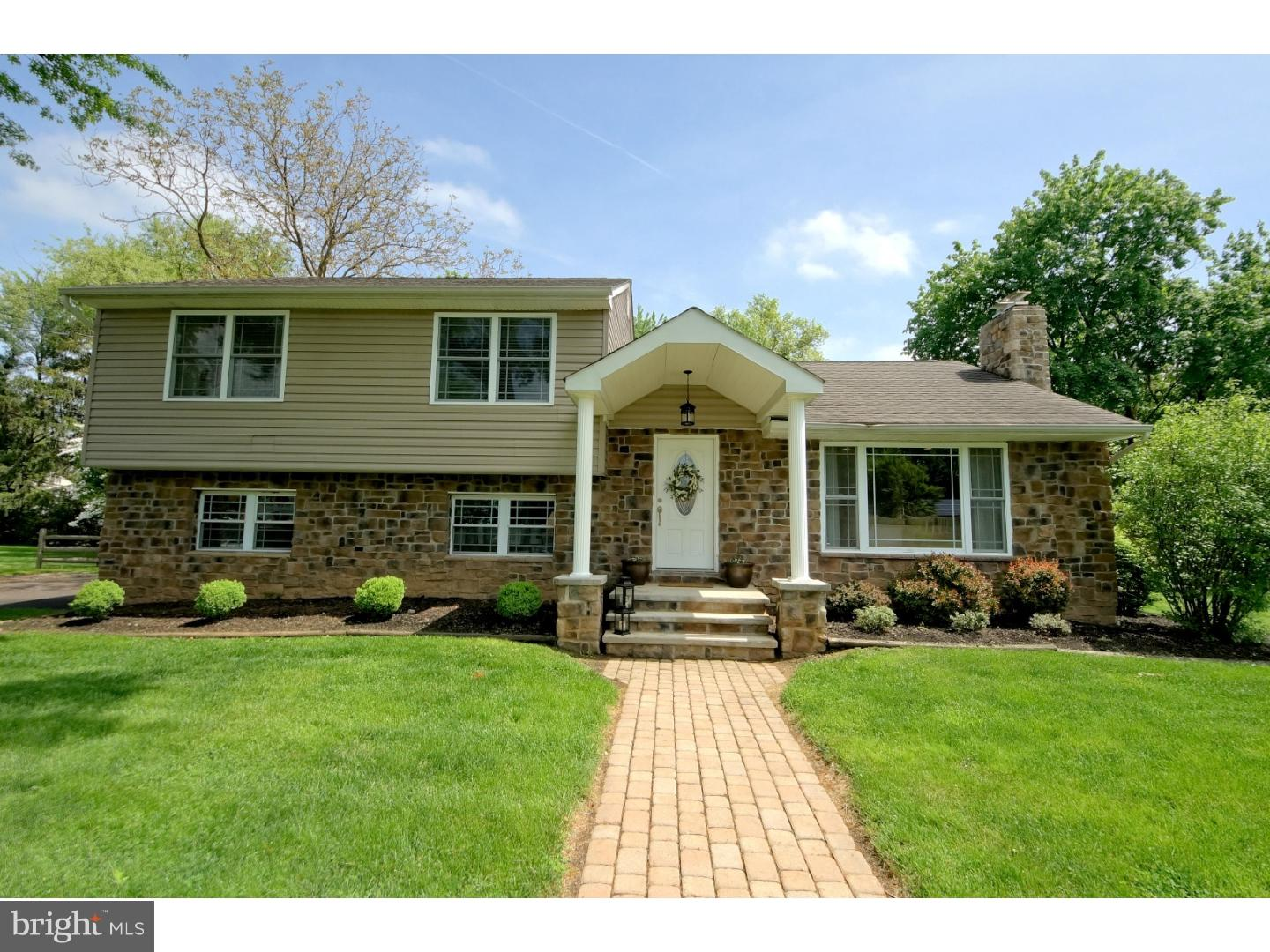 Single Family Home for Sale at 7 MANSFIELD Ewing, New Jersey 08628 United StatesMunicipality: Ewing Township