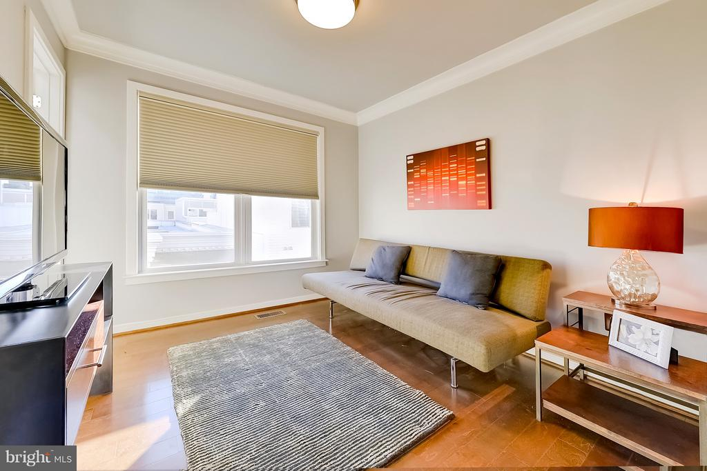 4th floor bedroom with on-suite bathroom - 335 I ST SE, WASHINGTON
