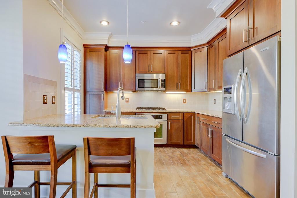 Gourmet kitchen with tons of cabinet storage! - 335 I ST SE, WASHINGTON