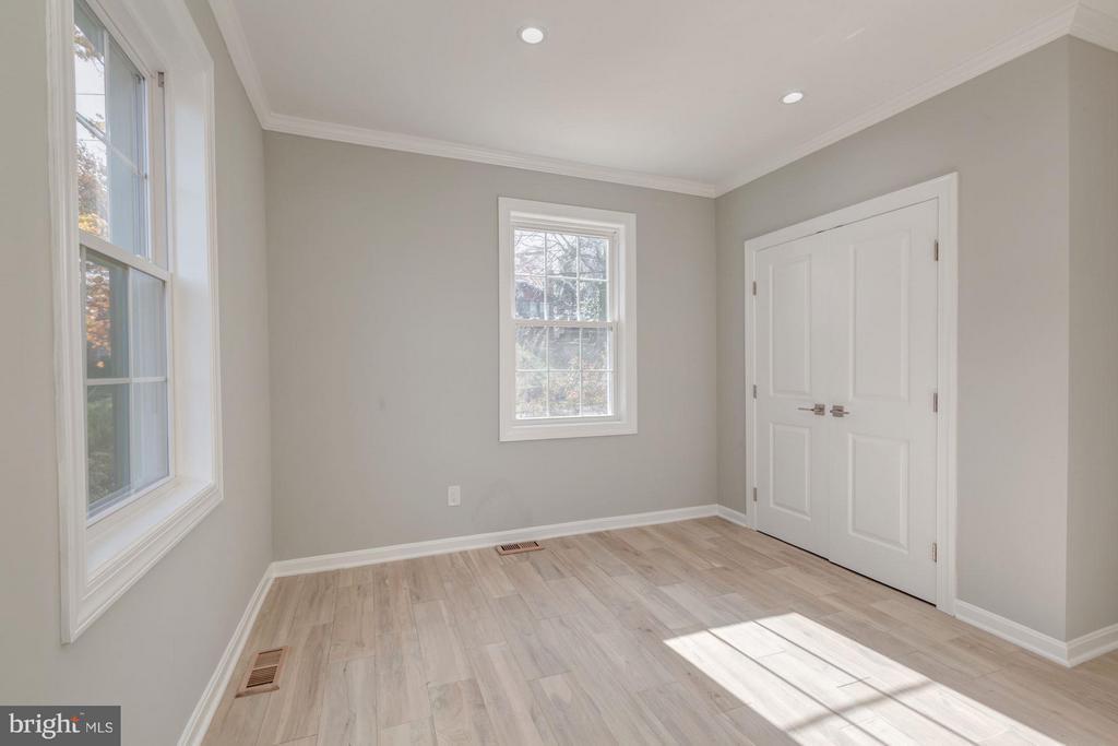 Front Bedroom - 3620 SUITLAND RD SE, WASHINGTON