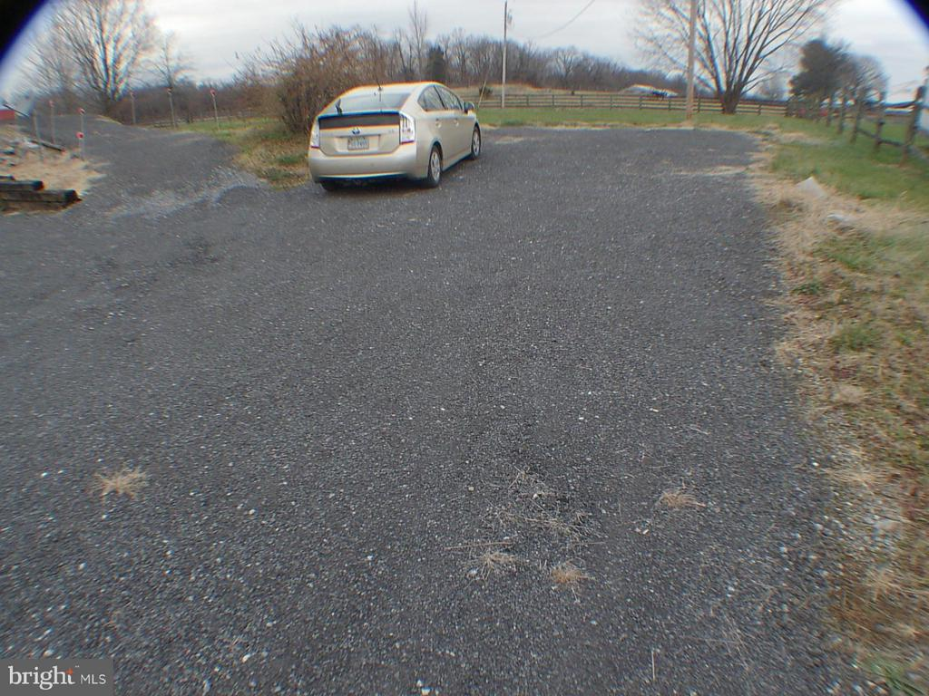 Extra parking space off driveway - 1919 WITHERS LARUE RD., BERRYVILLE