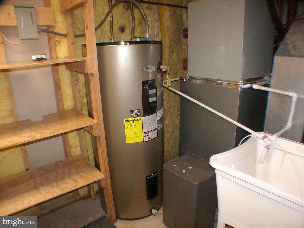 80 gal efficient hot water heater - 1919 WITHERS LARUE RD., BERRYVILLE