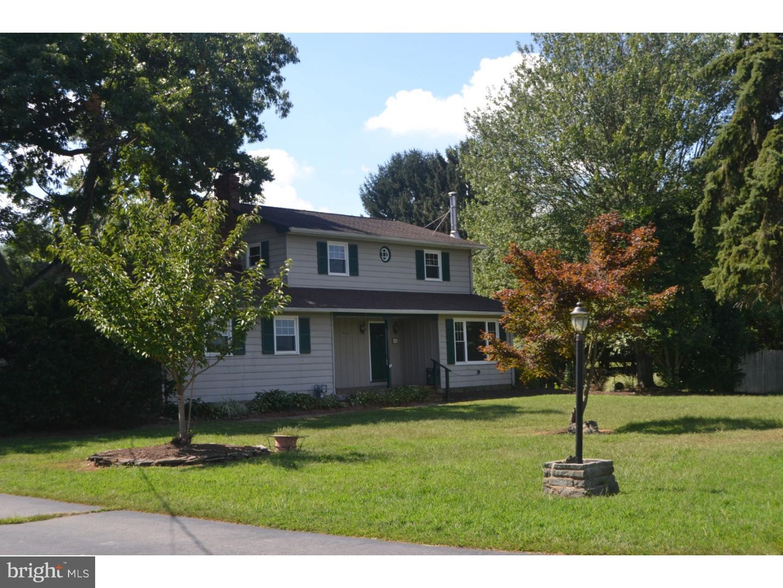 Частный односемейный дом для того Продажа на 684 WINDSOR PERRINEVILLE Road Hightstown, Нью-Джерси 08520 Соединенные ШтатыВ/Около: East Windsor Township