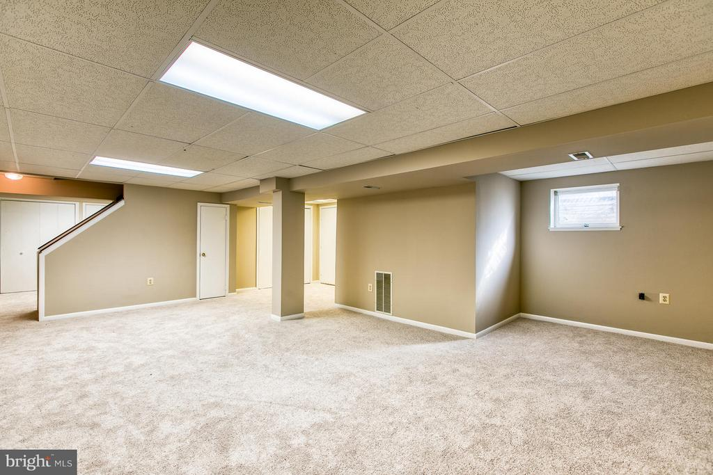 Spacious rec room - 6056 RIDGE FORD DR, BURKE