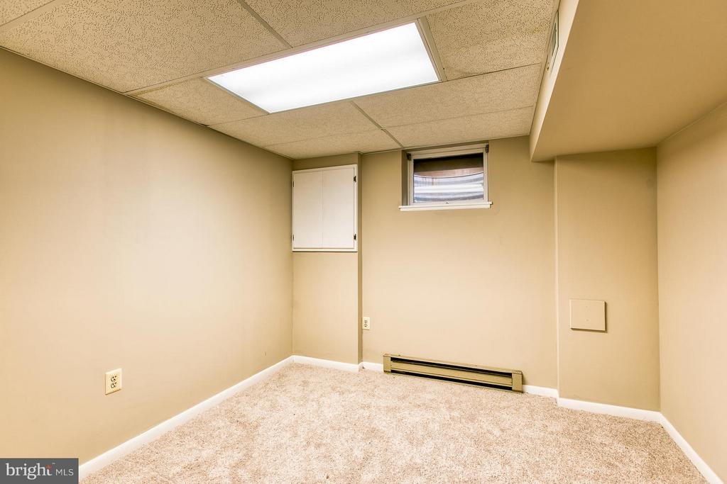 Basement office - 6056 RIDGE FORD DR, BURKE