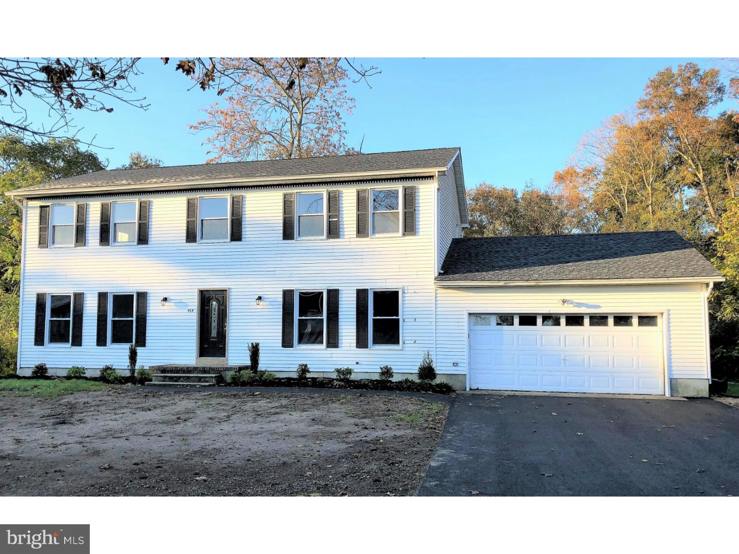 Single Family Home for Sale at 919 W SUMMER Avenue Buena, New Jersey 08341 United States