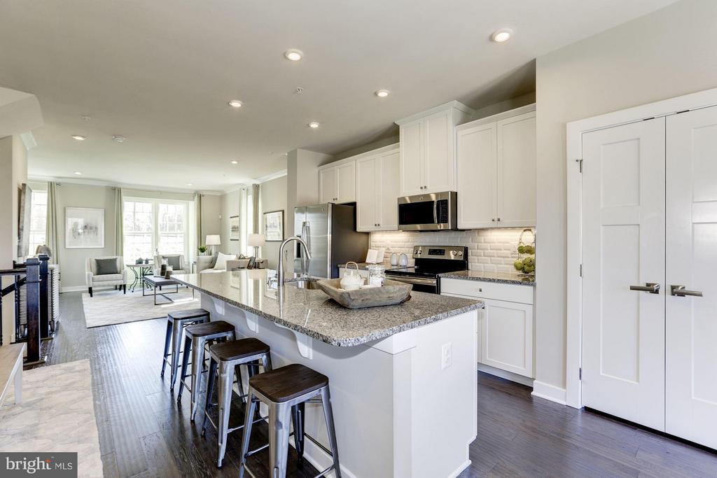 Beautiful open floor plan! - 5931 TOMAHAWK ST, NEW MARKET