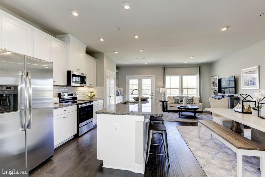 Open Kitchen/Dining/Morning Room - 5931 TOMAHAWK ST, NEW MARKET