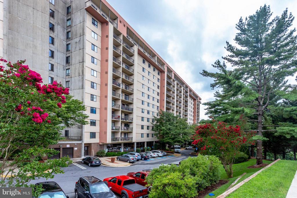 3800  POWELL LANE  722, Falls Church, Virginia