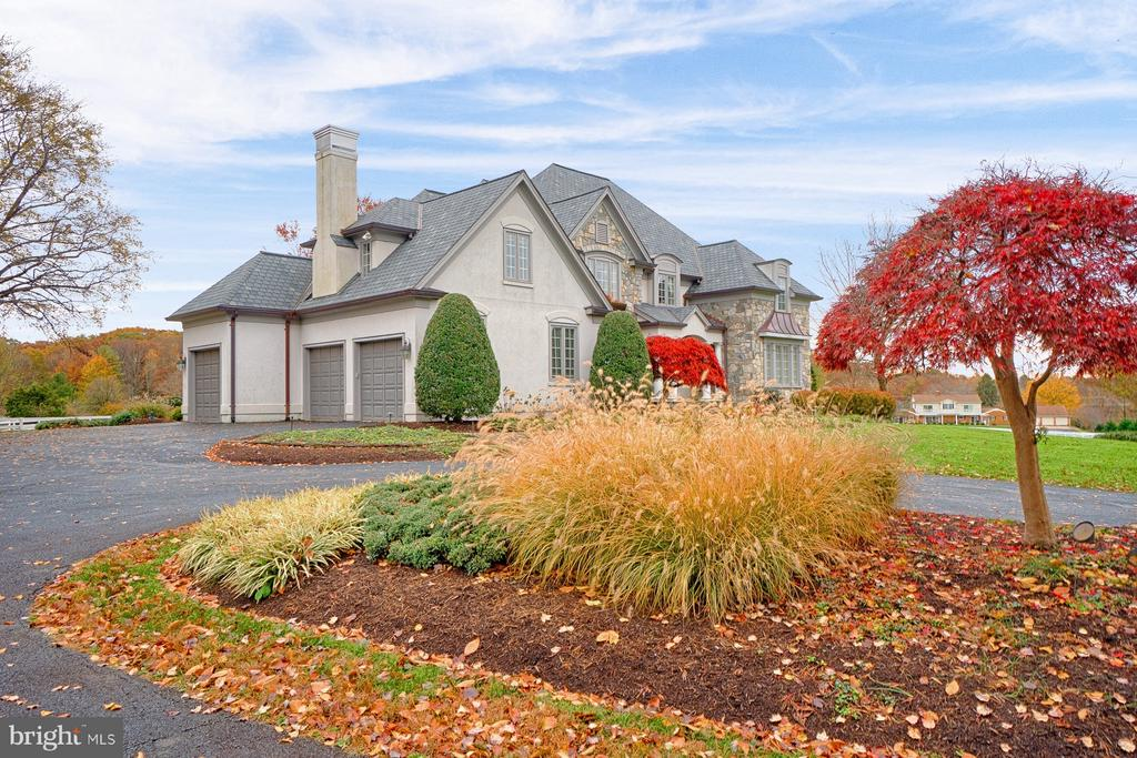 Splendid French, custom built house, on 9.49 acres - 6501 CLIFTON RD, CLIFTON