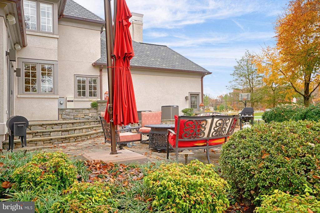 Delightful rear patio - 6501 CLIFTON RD, CLIFTON