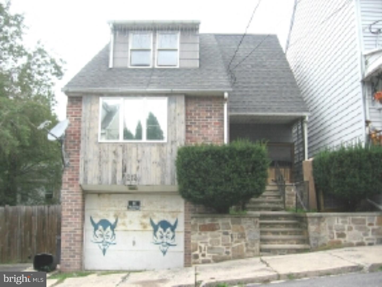Single Family Home for Sale at 213-217 W LLOYD Street Shenandoah, Pennsylvania 17976 United States