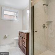 basmeent full bath newly renovated - 1100 BEVERLEY DR, ALEXANDRIA