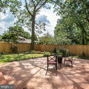 fully fenced for kids and pets - 1100 BEVERLEY DR, ALEXANDRIA